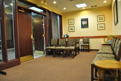 Syracuse Ear Consultants - Dr. Hayes Wanamaker - Waiting Room